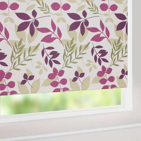 Designed with a pink and green leaf pattern on a natural background, this roller blind features a blackout lining to prevent unwanted external light entering the room.