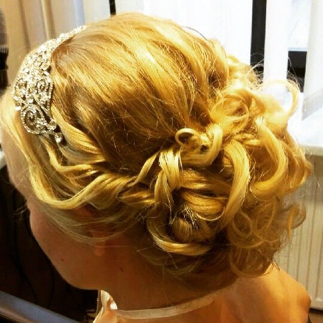 ⭐️ Upięcie ślubne. ⭐️ #fryzjer #fryzjerwilanów #barber #upięcie #kok #loki #barberwilanow #ślub #wedding #hair #bun #hairstyle