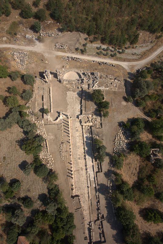 Stratonikeia antik kenti/Yatağan/Muğla/// Ölümsüz aşkların ve gladyatörlerin kenti olarak bilinen Stratonikeia, Muğla İli, Yatağan İlçesi'nin 7 km batısında, Eskihisar Köyü sınırları içinde yer alır.