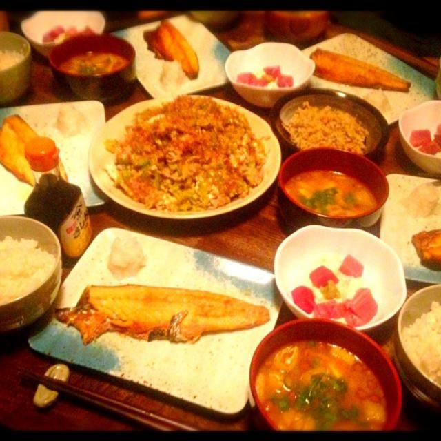 ちょっとボリュームあり過ぎてお腹パンパンになってしまいました。 - 6件のもぐもぐ - ゴーヤチャンプルーと山かけと鯖塩焼きと卯の花とナメコと豆腐と油揚げのお味噌汁 by toki69