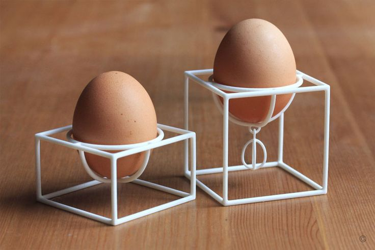 These white 3D printed egg cups in cube form, support your eggs in all the right places and make your breakfast table look modern.