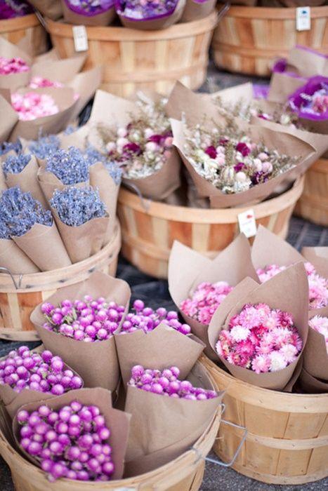 Paniers de fleurs avec emballage papier kraft