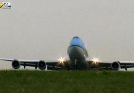 4-Dec-2013 19:56 - EXTREEM WEER: KLM SCHRAPT VLUCHTEN. Luchtvaartmaatschappij KLM heeft, nu er extreem weer op komst is, uit voorzorg een aantal vluchten voor morgen geschrapt.