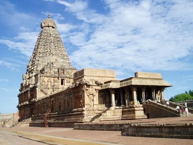 The Great Indian Kingdoms Which Never Got a Significant Place in Our School History Books  http://www.story24x7.com/history/the-great-indian-kingdoms-which-never-got-a-significant-place-in-our-school-history-books/  #CholaDynasty  #Pandyadynasty   #Kingdomofkochin   #Architecture #Chalukyas   #Gagapathykingdom   #Hoysalakingdom   #Sathavahanakingdom   #Vijayanagaraempire #History   #Maratha #Pallavas