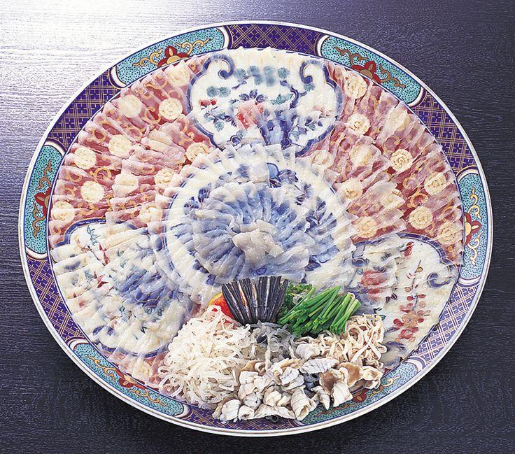 【山口県 とらふぐ】山口を代表する魚がふぐ。「福」に通じるため、山口県ではふぐを「ふく」と呼んでいます。とらふぐの水揚量は全国の8割を占めています。歴史的にも、ふぐの漁法「延縄漁業」の始まりや「食用禁止」の解除も山口県が最初です。 #Yamaguchi_Japan #Setouchi