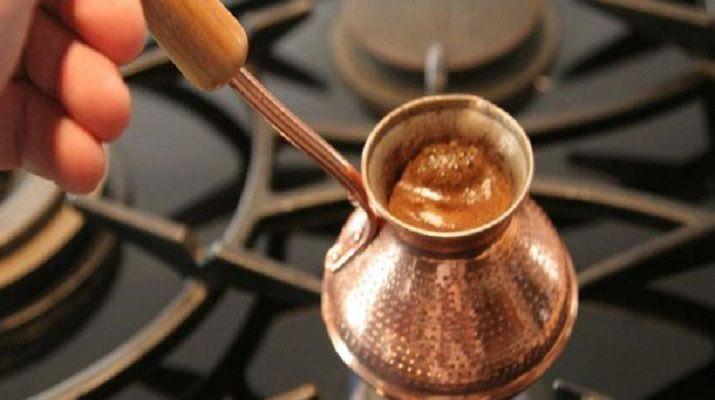 Каждый день у многих начинается с свежезаваренного в турке кофе. Я предпочитаю варить кофе в турке – аромат разносится по всей квартире.