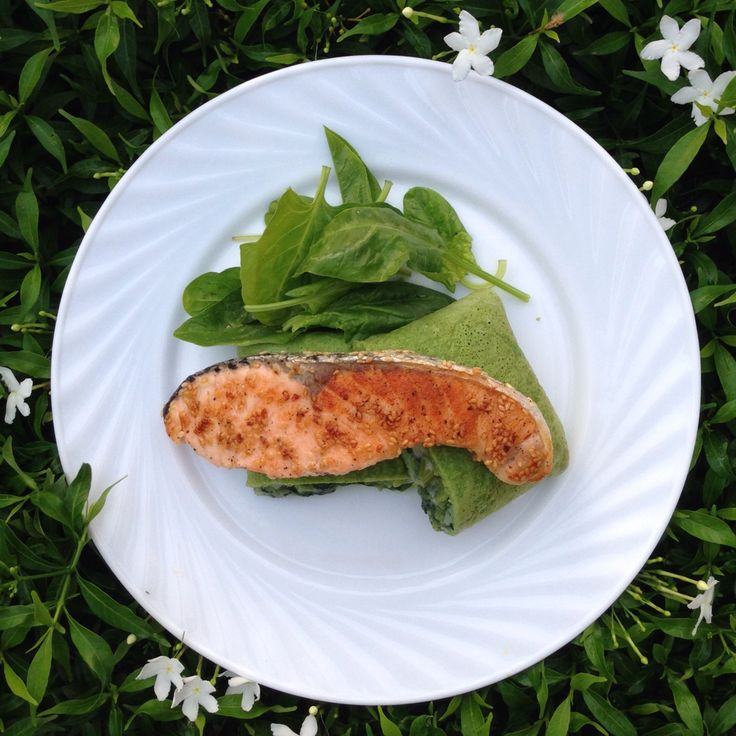 Grilled sesame salmon with spinach crepe
