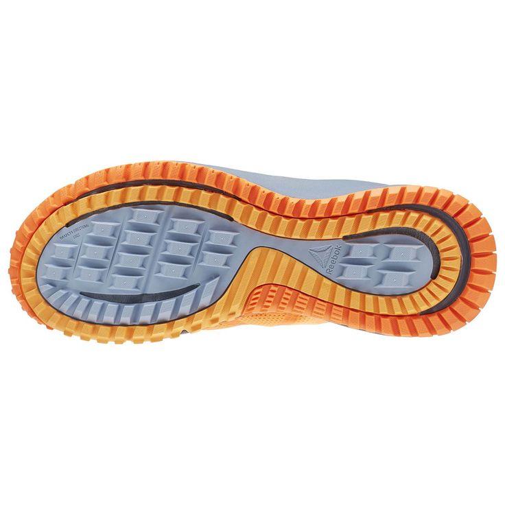 Ne faites plus qu'un avec la piste. Boue, terrains accidentés...plus rien ne vous arrêtera une fois que vous aurez enfilé ces chaussures de trail. Grâce à leur semelle extérieure en caoutchouc texturé, dotée de rainures, vous pourrez enchaîner les kilomètres en bénéficiant d'une excellente accroche. Leur chausson interne vous protège de la boue et de l'humidité.
