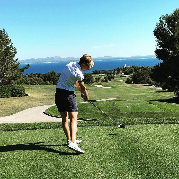 @ankalindner -  In #golf as in #life it is the follow through that makes the difference. #golf #golfswing #golfing #golfer #golfpractice #golflover #golfday #golfstagram #golfgirl #golfgirls #golflife #golfdigest #lpga #womensgolf @lpga_tour @road2lpga