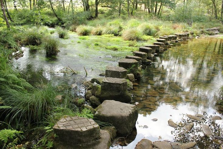Información sobre las poldras o pasos de A Fraga y A Larpea, en Ponte Caldelas