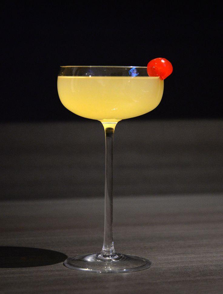Pra comemorar o Dia do Beijo, separamos o Russian Kiss ( Beijo Russo) um drink que com certeza vai fazer o maior sucesso com a mulherada! Docinho e fácil de Fazer, o beijo Russo vai te ajudar a com…