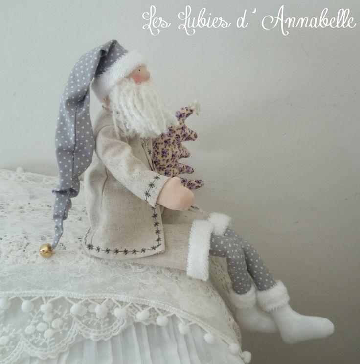 Décoration Père Noël inspiration Tilda Shabby Chic gris , blanc et parme