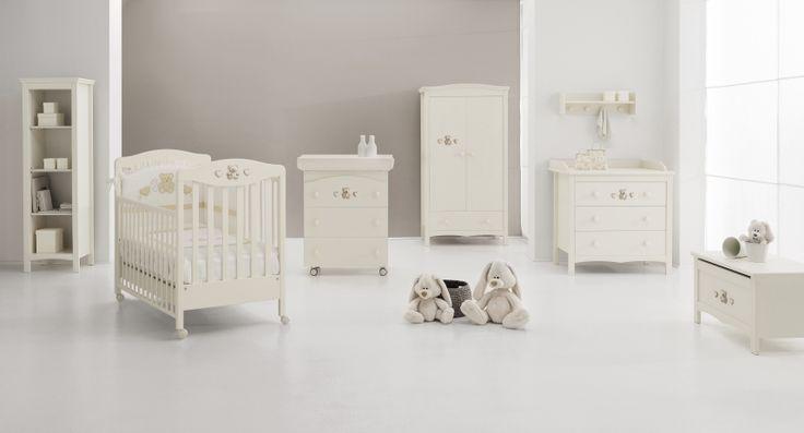 Il Set Tippy Jolie di Erbesi offre la combinazione perfetta tra eleganza e comfort ad ogni bambino.