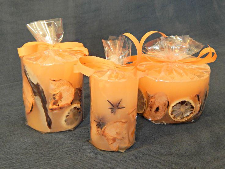 Χειροποίητα αρωματικά κεριά. Με άρωμα βανίλιας, καρπούς και αποξηραμένα φρούτα.  http://www.kirofos.gr/