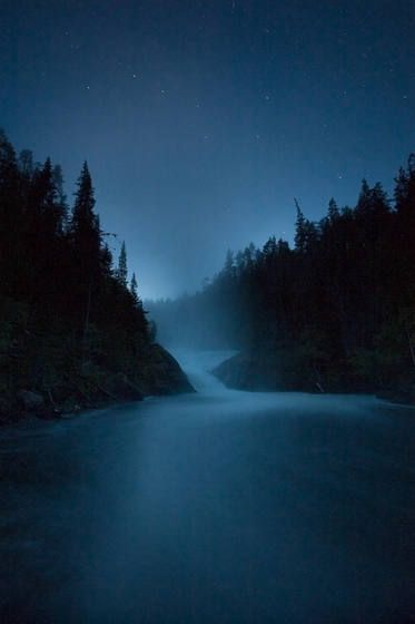 Big Dipper and Kitka River Kuusamo  photo by Peter Essick