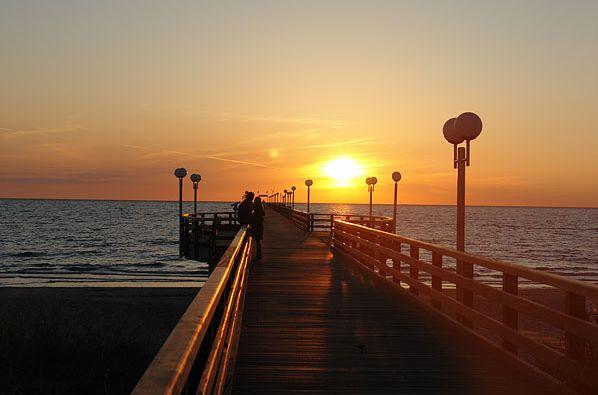 Einfach nur dasitzen, durchatmen und genießen.  Sichert euch jetzt euer Entspannungspaket und bucht eure #Luxusvilla an der #Ostsee. Zu finden unter www.ferienwohnung.com mit der Online-ID: 32CYH3D.  #kamin #sauna #ferienwohnung #relaxtime #holiday #Angebot #Urlaub #reservierennichtvergessen #Urlaub2016 #urlaubsfeeling #treatyourself #eintraumhier #instadaily #beautiful #iminheaven #exklusiv #übernachtung #deutschland #luxusurlaub #ostseeliebe #baabe