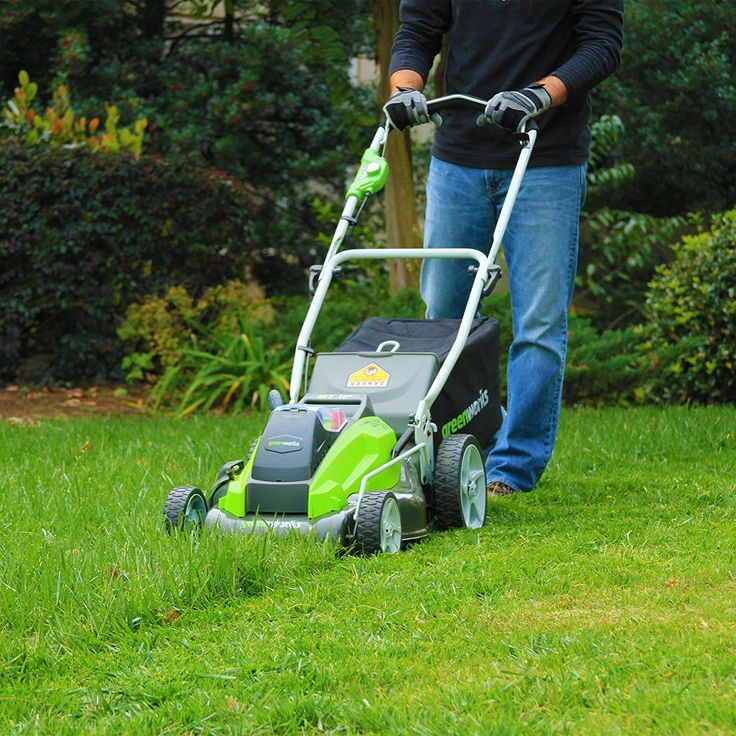 Greenworks 40V Cordless Lawn Mower w/2 Batteries $271!