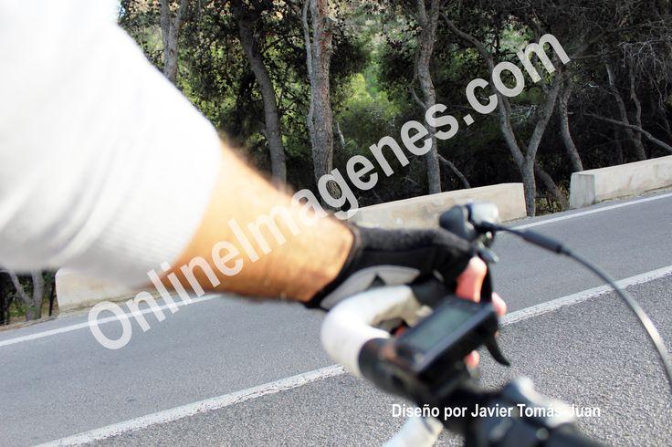 Compra imagen online para proporcionar consejos de seguridad en la práctica del ciclismo de carretera mediante estrategias de marketing de contenidos en páginas webs y redes sociales.