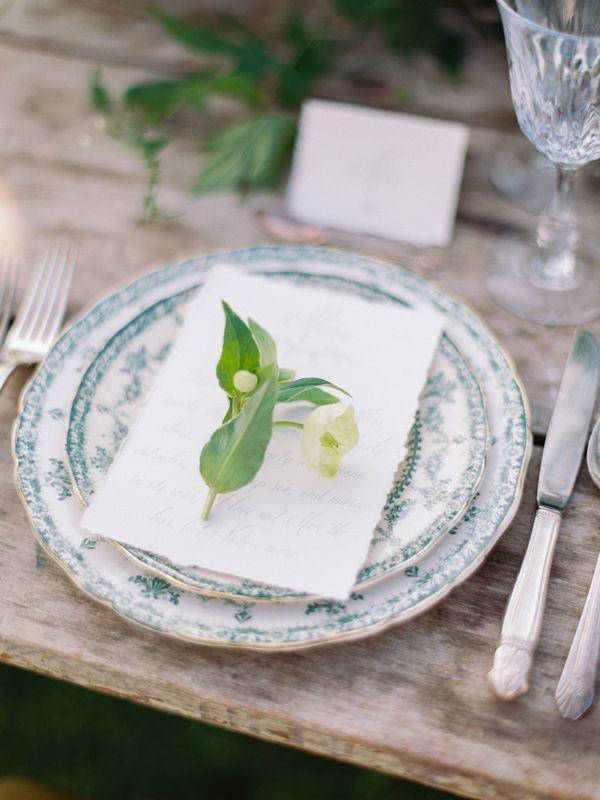 elegant place setting - photo by Wedding Nature Photography http://ruffledblog.com/elegant-vineyard-wedding-inspiration