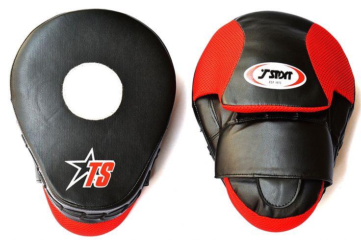 """When life gets tough, put on your boxing gloves.""  #muaythai #mma #kickboxing #fitness #bjj #jiujitsu #grappling #martialarts #brazilianjiujitsu #wrestling #motivation #judo #training #jiujitsulifestyle #ufc #fight #bjjlifestyle #thaiboxing #fighter #fighting #workout #gym #submission #bjjgirls #nogi #boxer #karate #lifestyle #athlete"