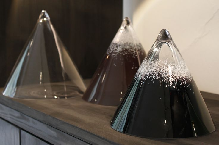 Glass artist Sini Majuri's Vuori glass mountains are sharp design objects handcrafted in Finland. Each snowy peak has it's unique character created from mouth blown glass. / Glass of critiques pop-up exhibition at the Gallery Mafka&Alakoski, August 2017, The Night of the Arts Helsinki.