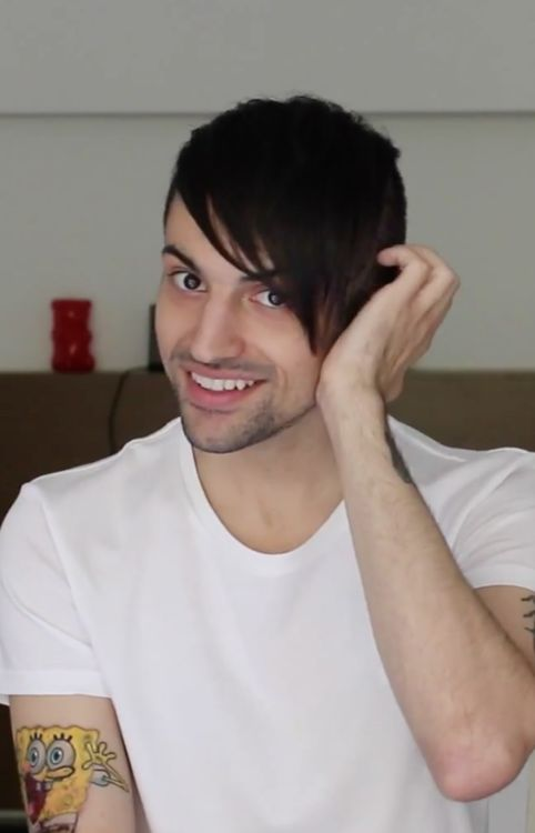 Does Mitch or does Mitch not look absolutely perfect in this picture?