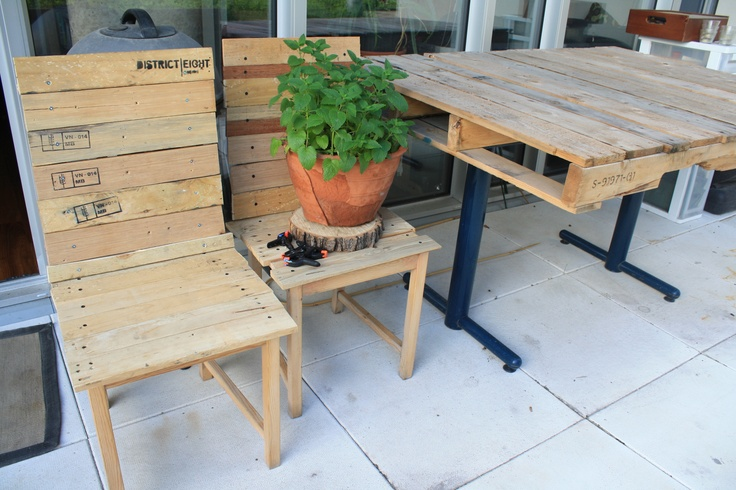 This year I made some matching chairs to go with my wood pallet table.