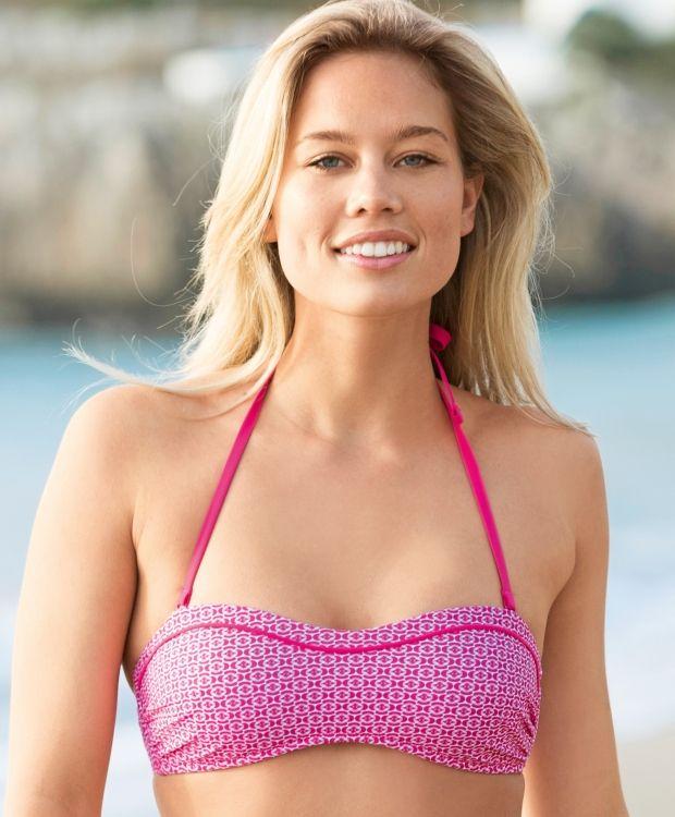 Sloggi Raspberry top Sporty og lekker bandeau bikinitopp fra Sloggi. Overdelen har silikonkant og avtakbar halternecksnor. 74% polyamid 26% elastan. #sportmann #sloggi