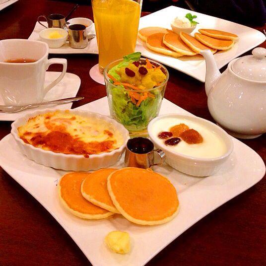 カフェエディアールで、お昼ごはん。
