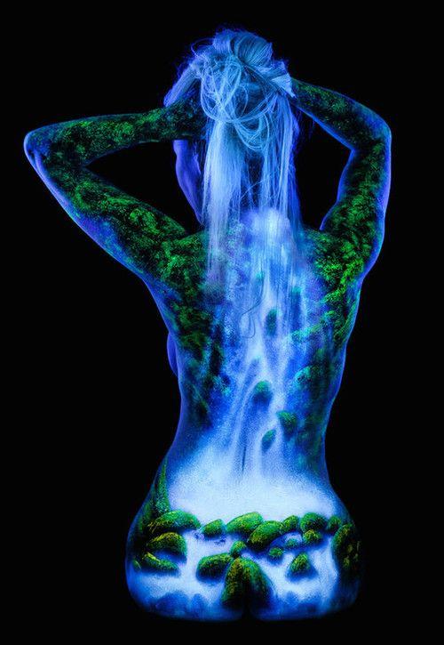 UV Waterfall Body Paint under Blacklight