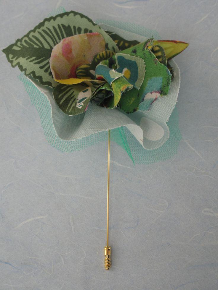 Hamdmade brooch in soft tissue, fresh green. beatrice.cianfrui@facebook.com