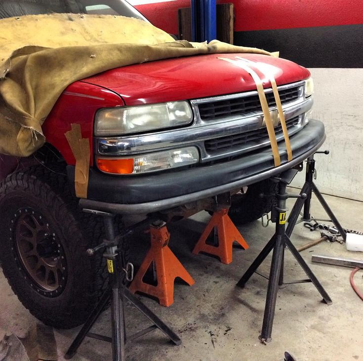 @jdfabrication toying with the idea of offering a '99-'06 Chevy 4x4 low-profile prerunner style bumper with a built-in winch mount. #chevysilverado #chevytahoe #chevytrucks #jdfabrication #prerunner
