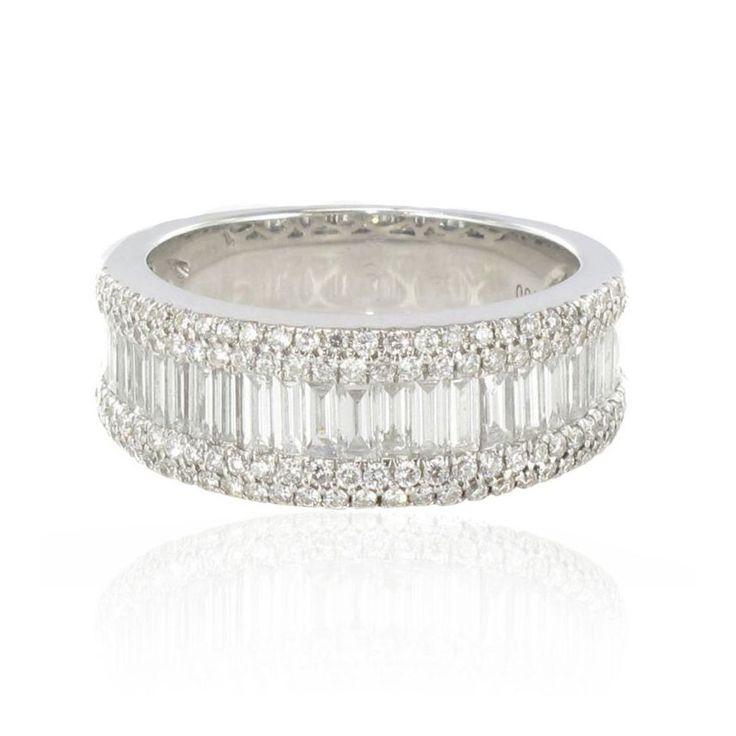 Bague diamants baguettes - style Hepburn.  http://www.bijouxbaume.com/bague-diamants-baguettes.htm