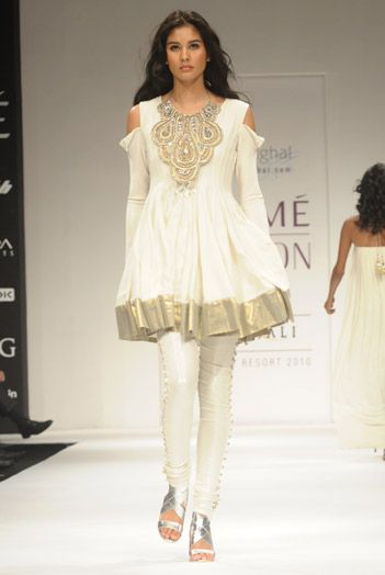 http://www.payalsinghal.com/collection/PS-FW010a0.jpg