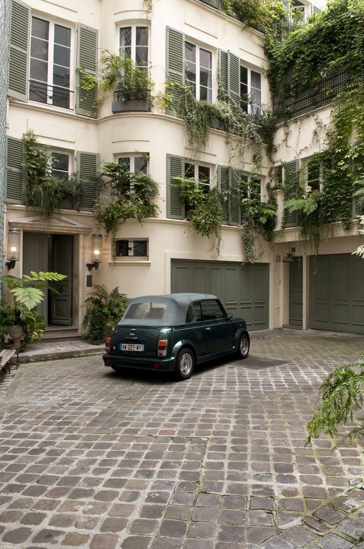 Art Modern architecture in Paris <3 <3 this!