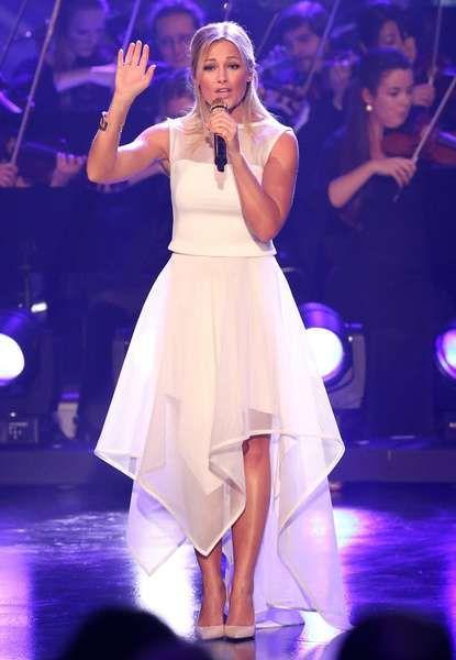 """Wunderschön in Weiß performte Helene Fischer bei der """"Verstehen Sie Spaß?""""-Show in München."""