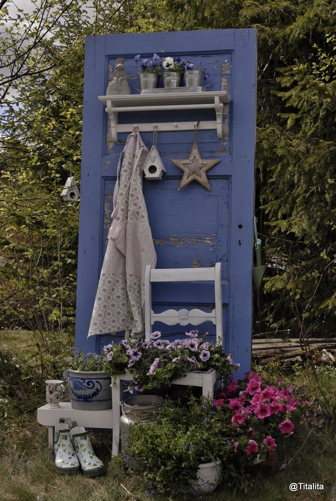 DIY A door in the backyard - Les mer på bloggen Vintage-design