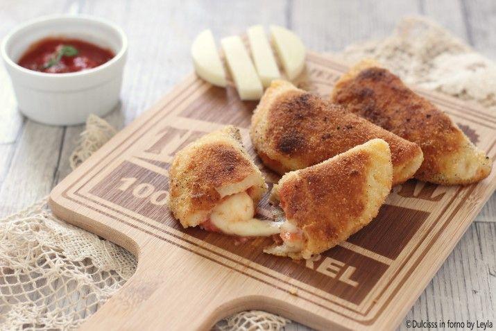 Fagottini pomodoro e mozzarella fatti in casa Mezzelune pomodoro e mozzarella…