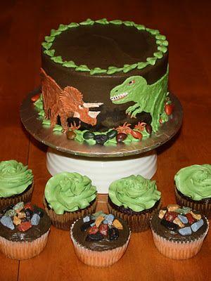 Party Cakes: Dinosaur Cake and Cupcakes