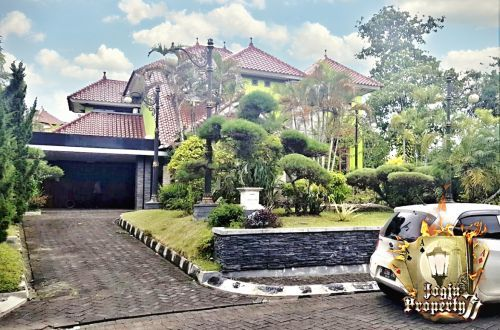 RUMAH MEWAH 2 LANTAI (FULL FURNISHED) DALAM PERUMAHAN MERAPI VIEW Jln.Kaliurang Km.9, Sardonoharjo Ngaglik » Sleman » Yogyakarta