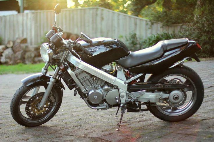 1988 Honda Bros Product 1, aka NT650J and RC31