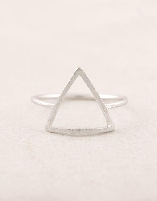 7,50€ - SILVER PYRAMID RING | SRTALAURIS, jewelry&design