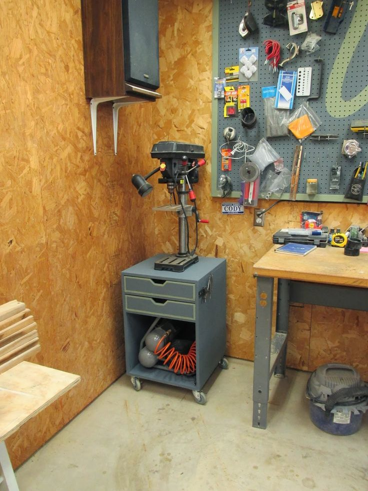 Rolling Drill Press Stand - WoodWorking Projects & Plans