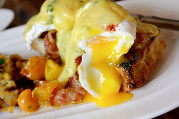 Poached Farm Eggs Bennedict