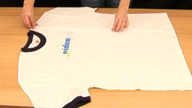 How to fold a T-Shirt in 2 Seconds  (it really works)