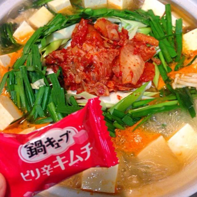 キューブの鍋の素、便利! - 30件のもぐもぐ - 今夜は豚キムチ鍋 by machiruda11