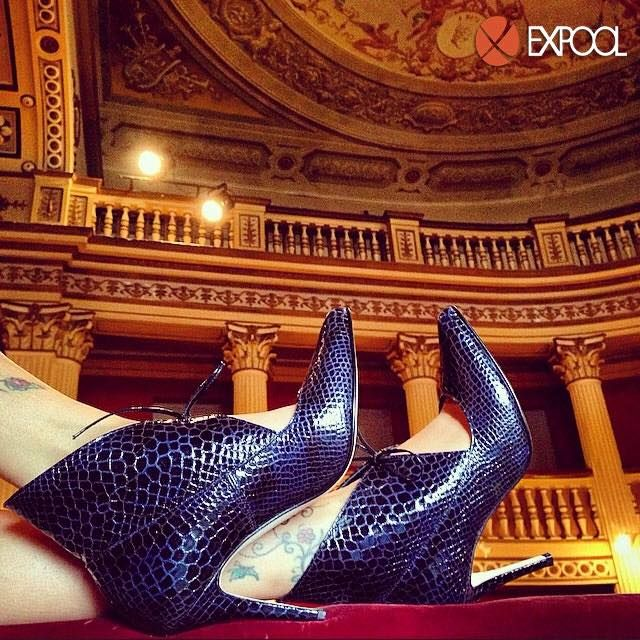 Outrageous #elegance for this #reptile #stiletto by #BlackVenus in the enchanting #theater of #Petritoli, #MarcheRegion. #ExpoolConsortium #italianshoes #womanshoes #madeinitaly