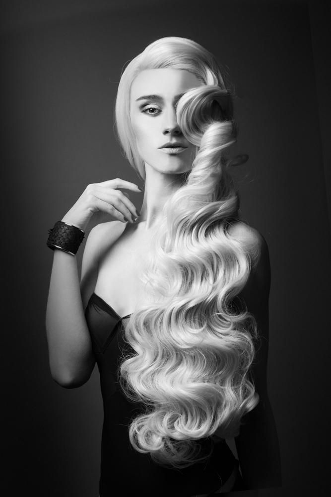 www.estetica.it | Credits Hair: Florent Debruxelles @Angel Studio Make up: Anna Arnold Photo: Thomas Braut