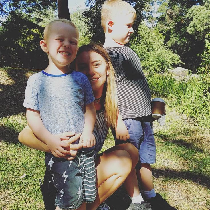 Happy campers  my daughter and grandsons. . We stopped at the warbuton bakery for some food and more of the beautiful Yarra River.. boys watching the ducks  #family #trio #outinnature #sunday #miniholiday #myfamily #myphotos
