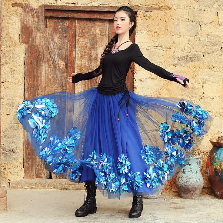 2016 Herfst Nieuwe Prachtige Driedimensionale Bloemen Borduurwerk Gaas Rok vrouwen Elegante Lange Maxi Rokken Blauw/rood(China (Mainland))